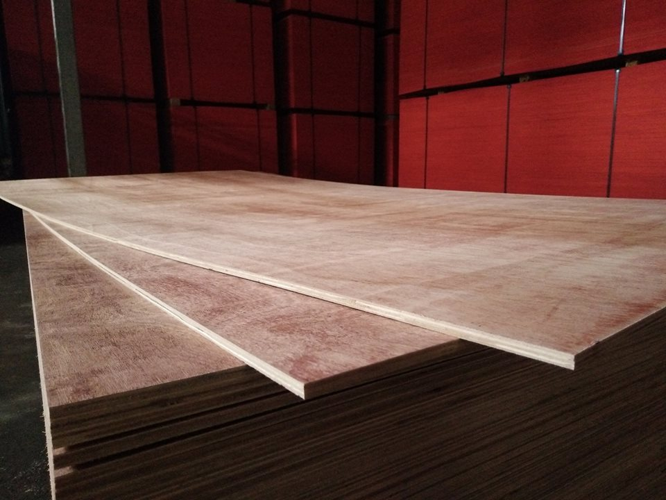 PLYWOOD 8MM