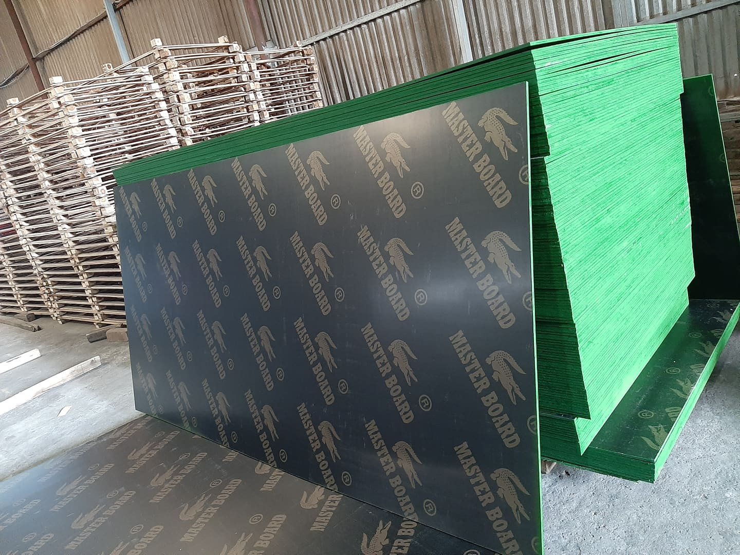 FILM FACED PLYWOOD 8.5 MM